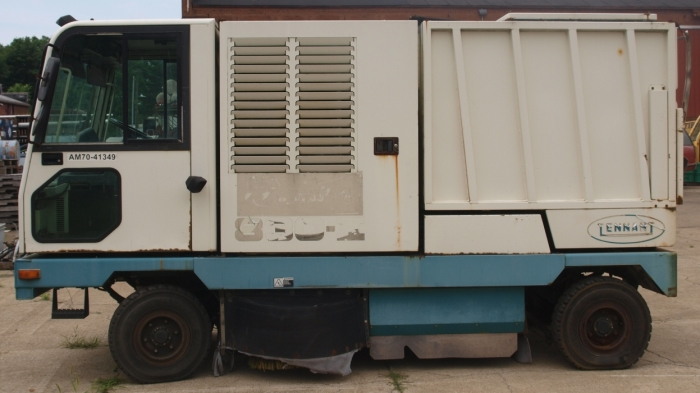 2002 Tennant Street Sweeper