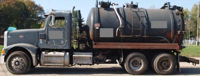 1994 Peterbilt Cusco Vacuum Truck VT-33